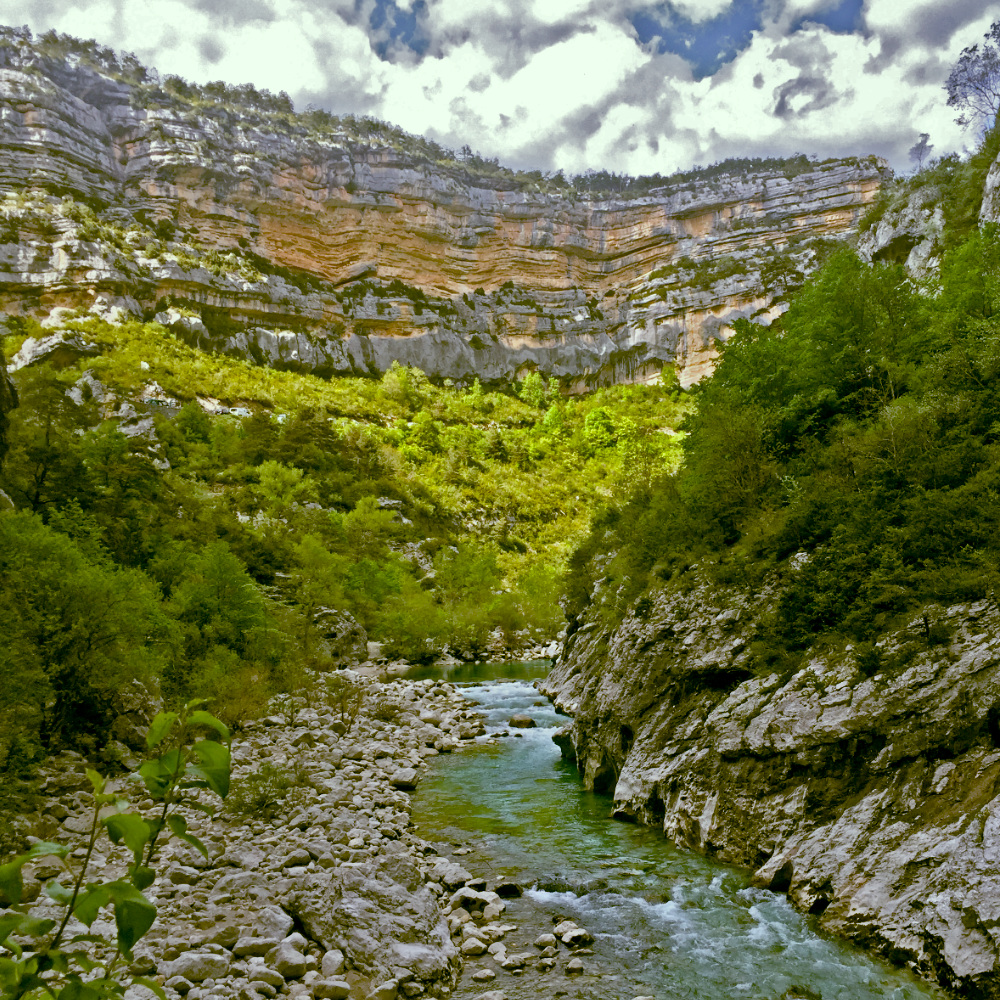 The canyon below the pont sublime